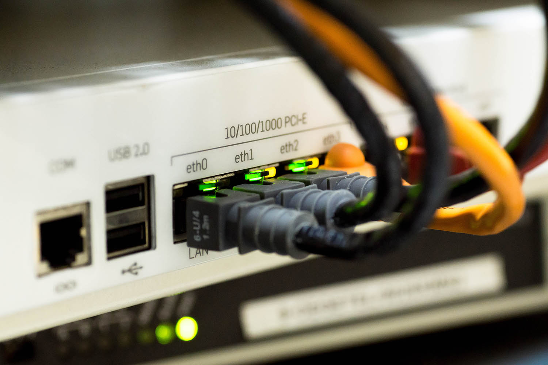 Internet breakdown in Pakistan