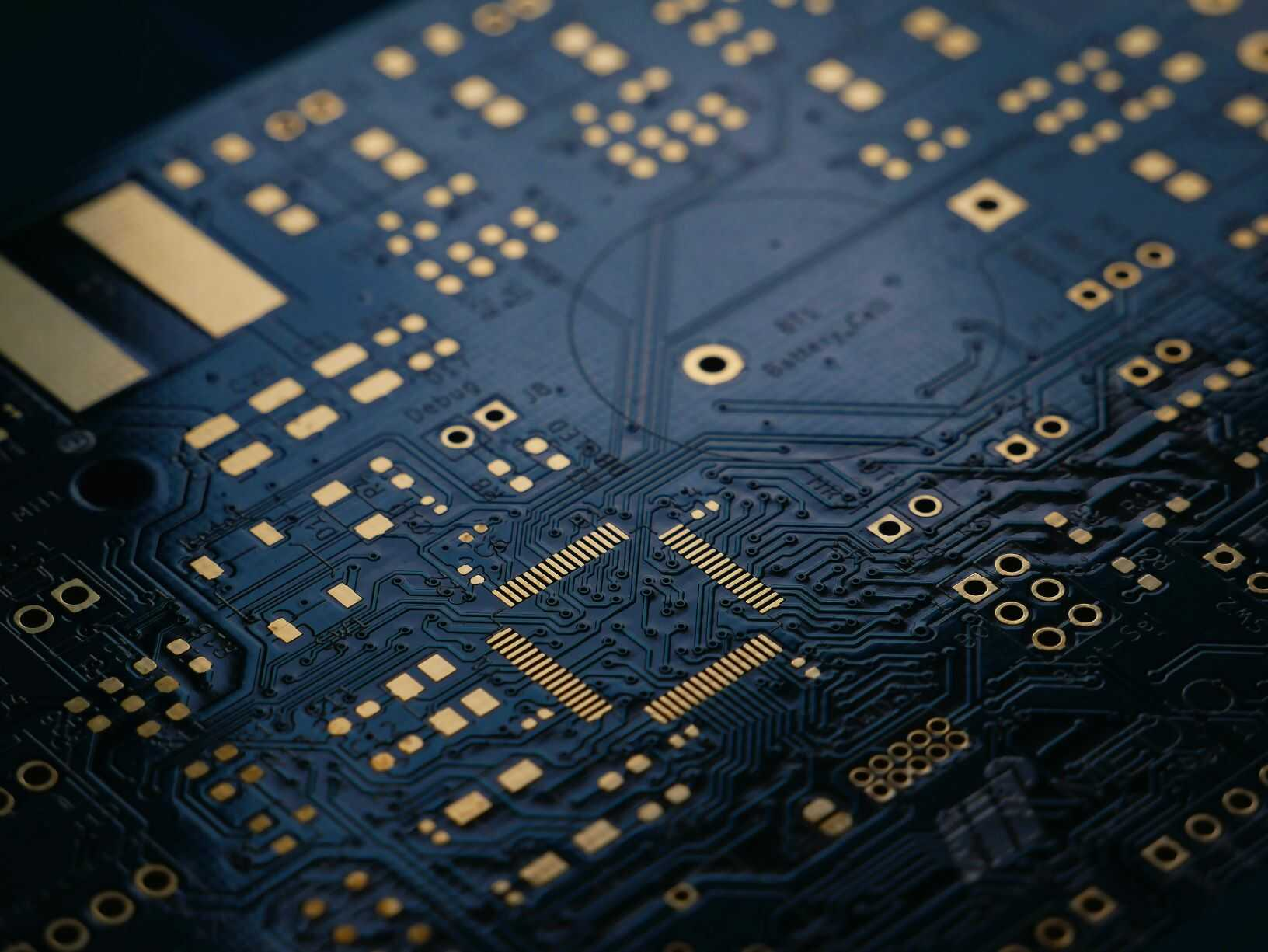 Benefits Of Using Printed Circuit Board Assembly Service